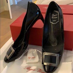Black patent leather Roger Vivier pumps